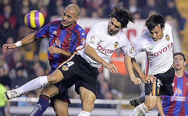 El derbi lanza al Valencia a la Champions