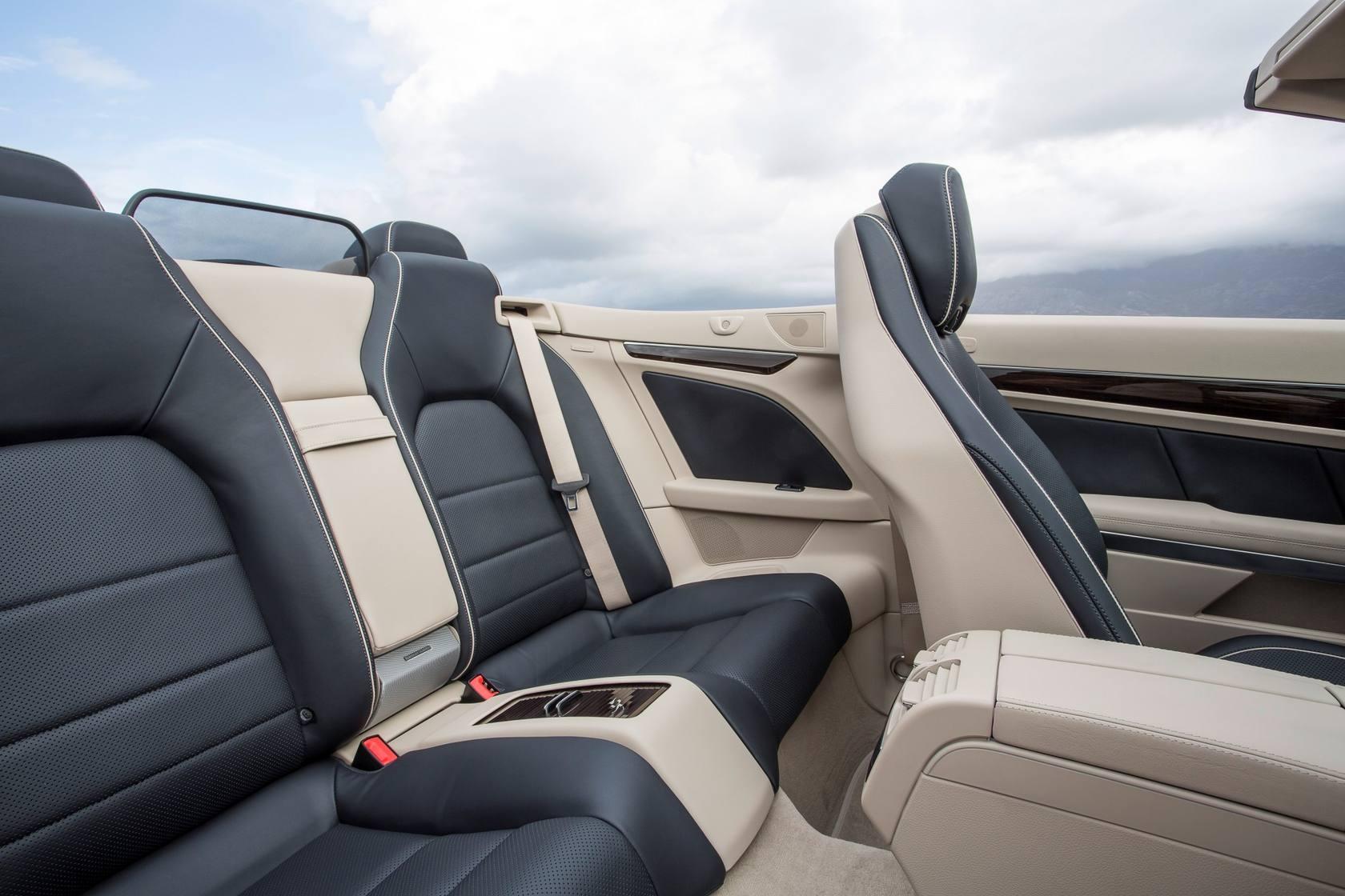 Nuevos Cupé y Cabrio de la Clase E de Mercedes