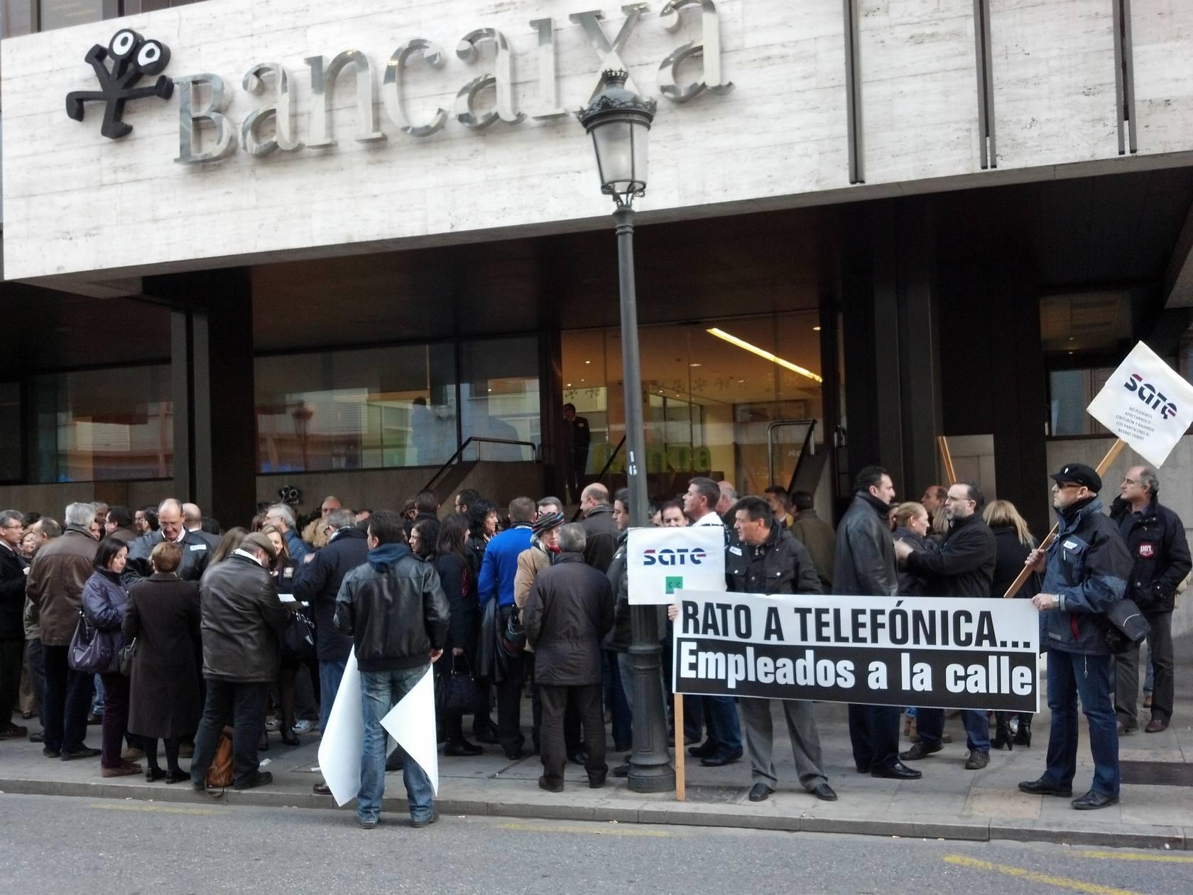 Protesta por el ERE de Bankia en Valencia