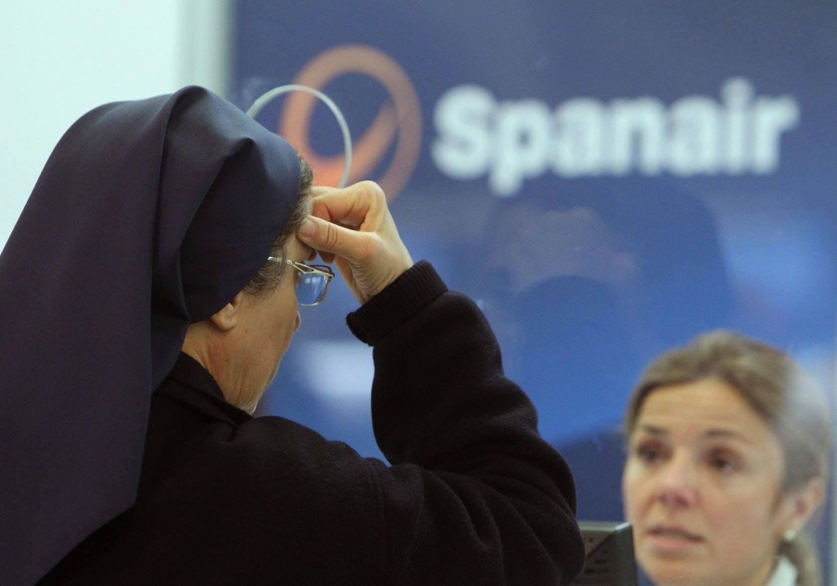 El cese de Spanair desata elc aos en los aeropuertos