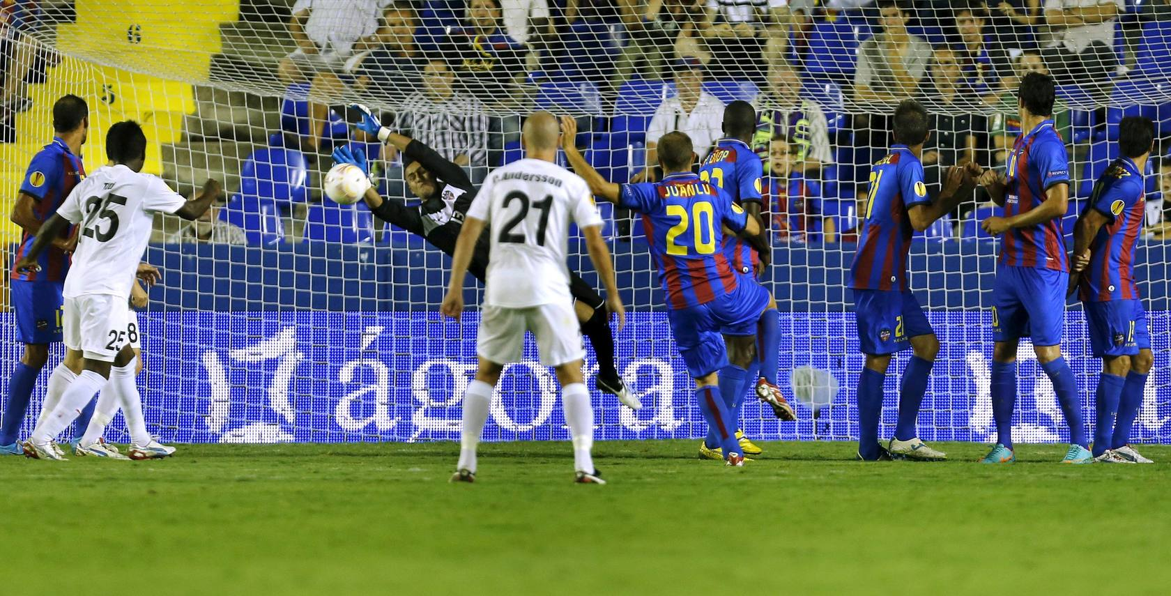 Gran debut del Levante en la Europa League