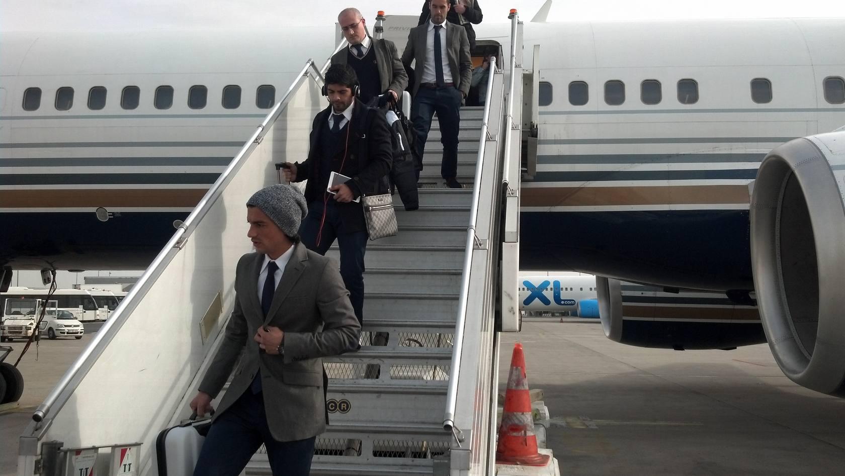 Llegada del Valencia a París para enfrentarse al PSG en Champions