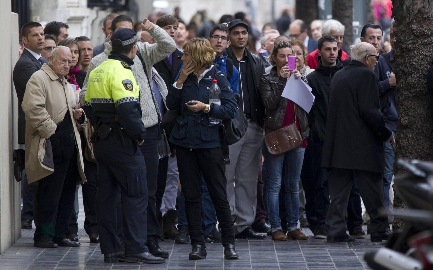 Una maleta sospechosa moviliza a los artificieros en Valencia