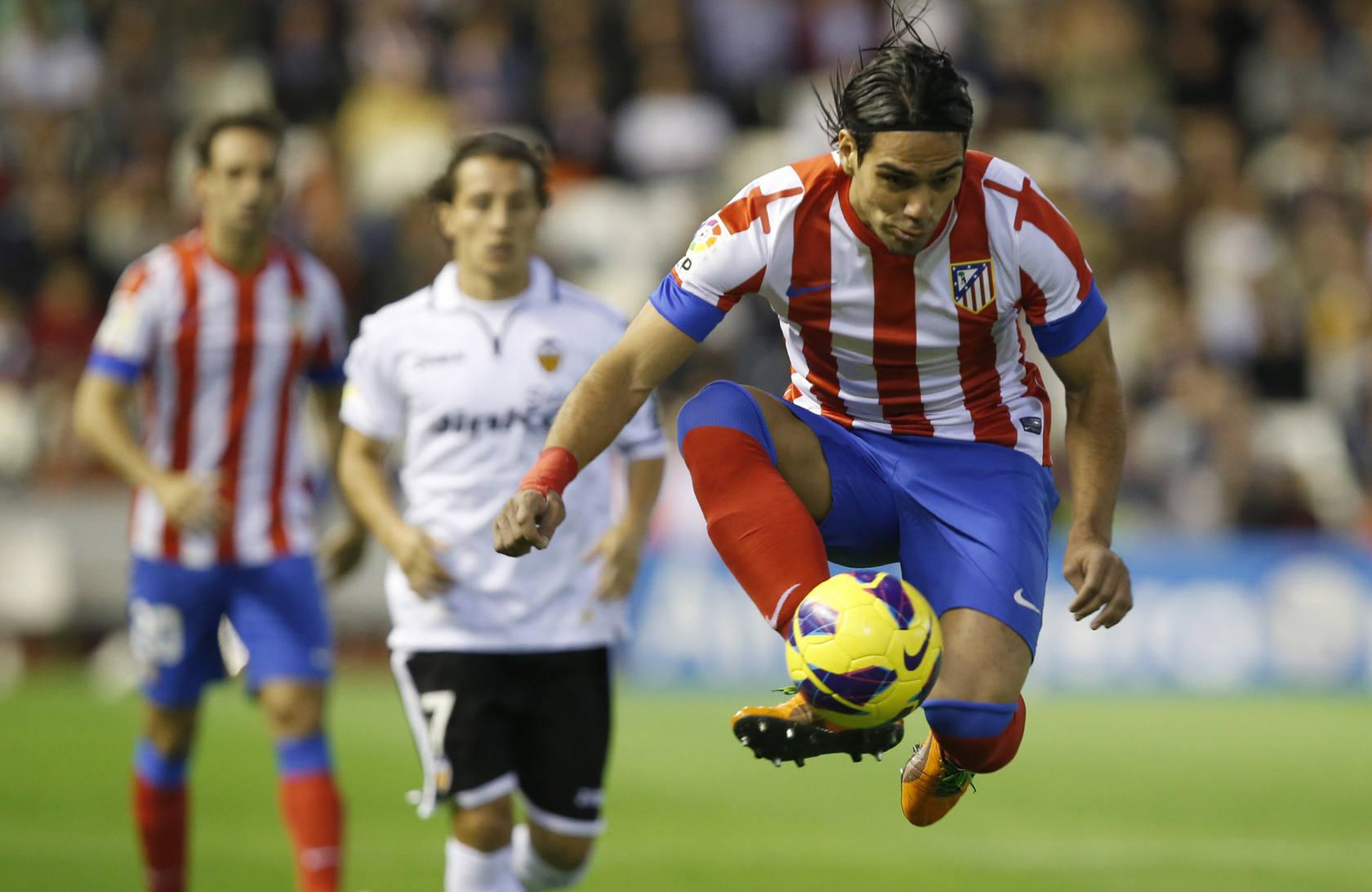 Partido de Liga entre el Valencia CF y el Atlético de Madrid